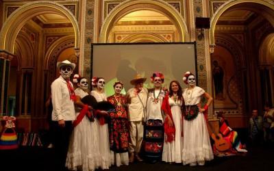 La Asociación Cuauhtémoc, comunidad de mexicanos en Valencia y  El Museo Valenciano de Etnología recrearon la celebración mexicana del día de muertos.