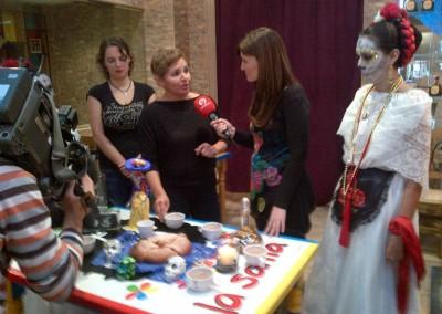 Asociacion-Cuahtemoc-Grabacion-programa-Altar-de-Muertos-2012-26