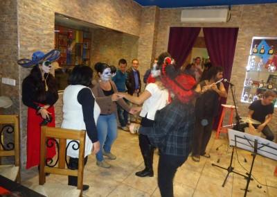 Asociacion-Cuahtemoc-Inauguracion-Altar-de-Muertos-2012-72